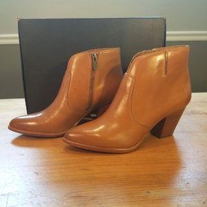 Frye Jennifer Cognac booties size 7.5